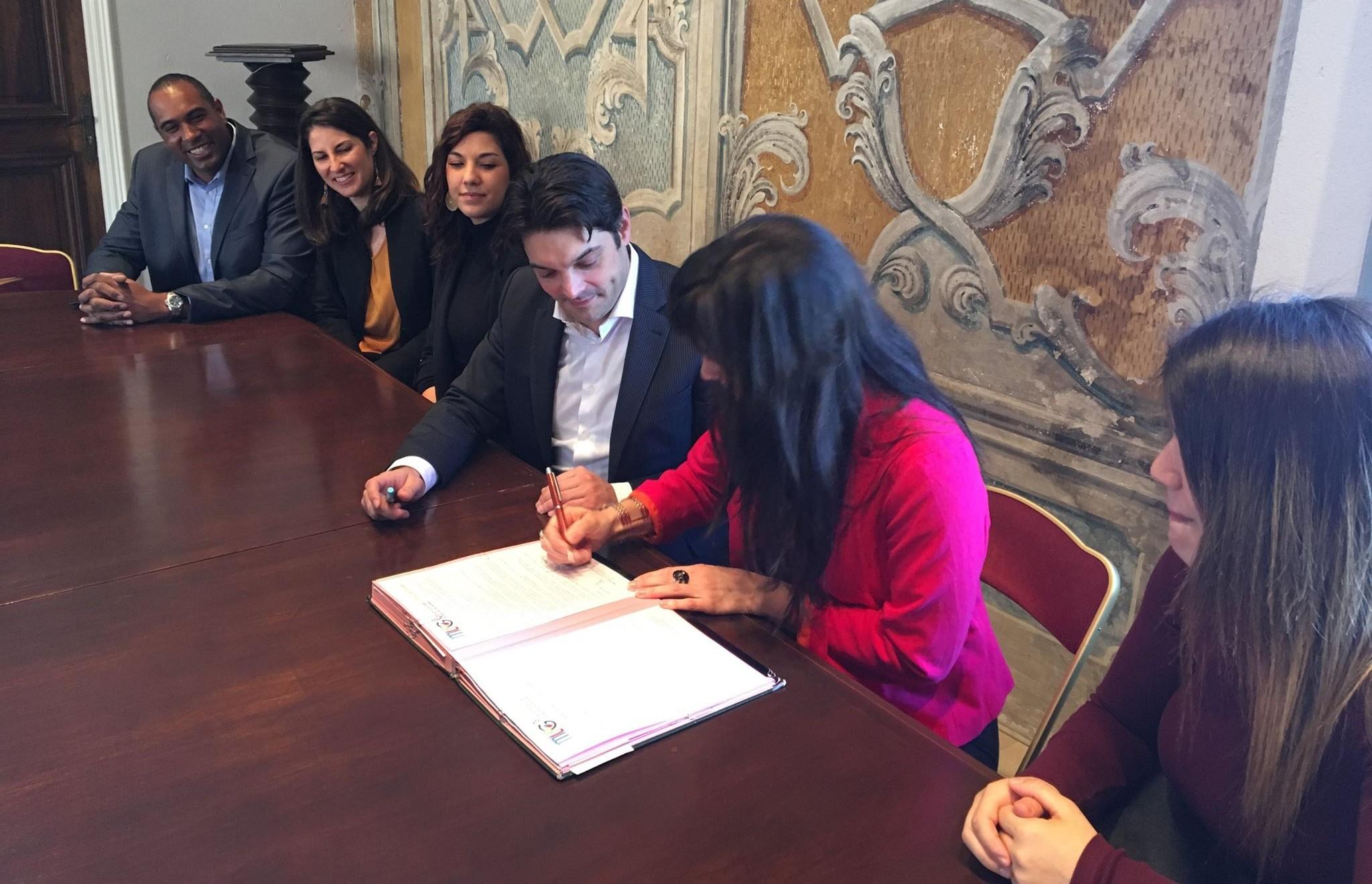 signature contrats pour mission locale du pays de grasse