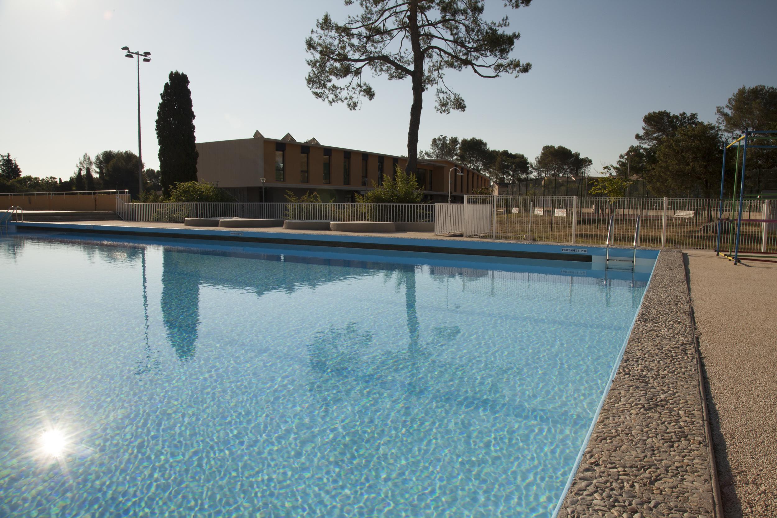 Visite des travaux la piscine de peymeinade for Travaux piscine