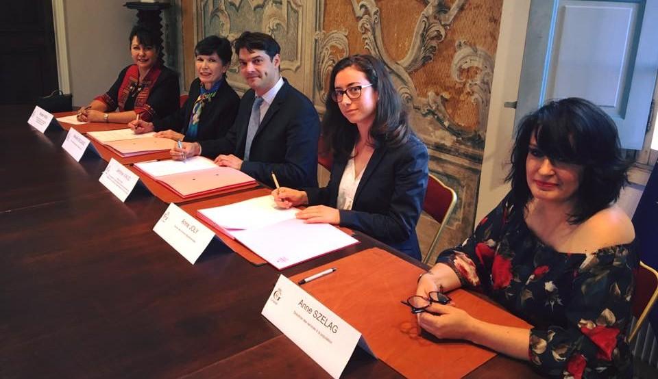 Signature de la convention du PACS avec la Mairie de Grasse 01